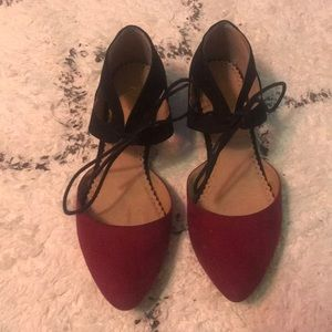 Restricted lace up flats!